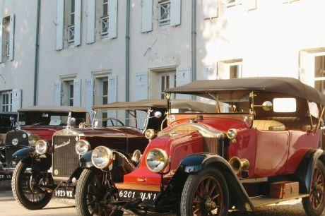 """Vehicules anciens avec les """"Vieux roulant pyrénéens"""""""
